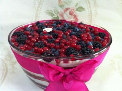 Mix Berry trifle