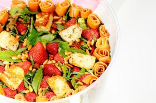 Strawberry & Hallom salad